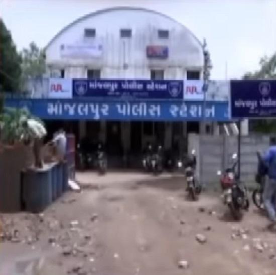 manjalpur police station