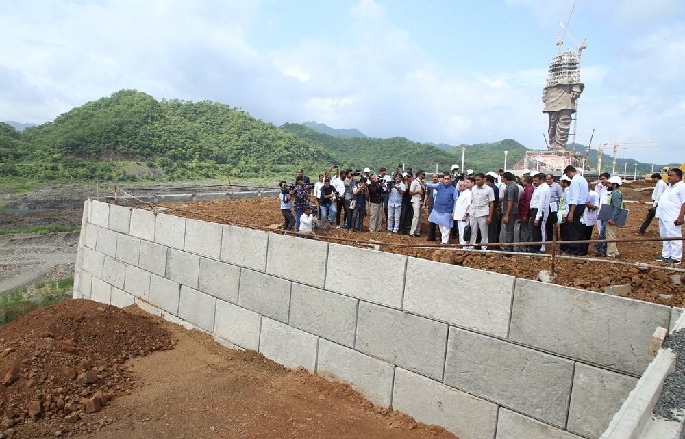 rupani monitoring progress of statue of unity