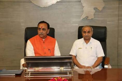 vijay rupani and nitin patel in office