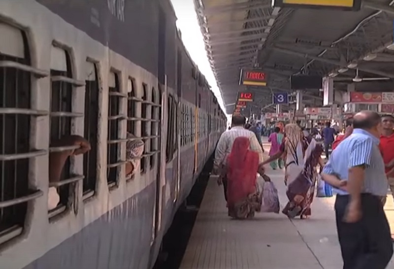 13 special trains in diwali