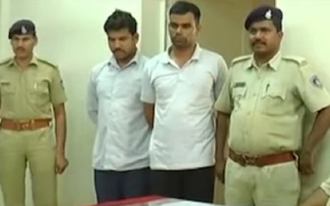 2 vadodara policemen arrested with liquor