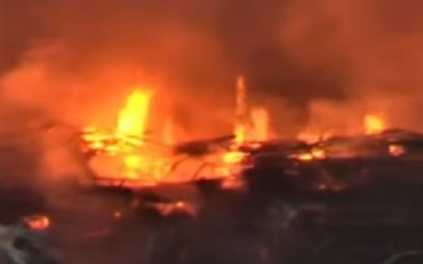 fire due to crackers in ahmedabad