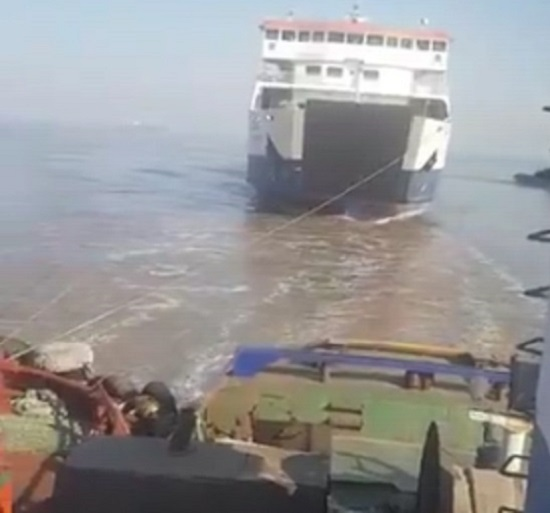 roro ferry vehicle pulled