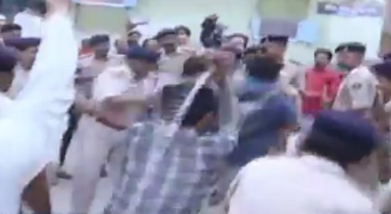 cameraman attacked in junagadh
