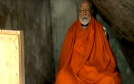 pm modi meditates in kedarnath