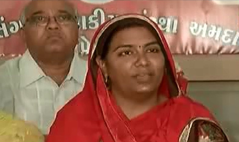 psi devendrasinh wife to commit suicide