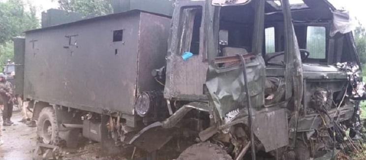 9 injured in pulwama