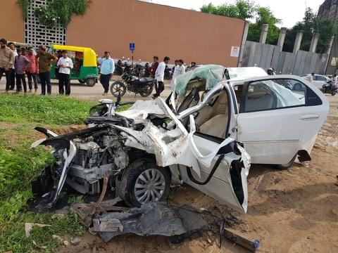 car accident at vaishnodevi circle