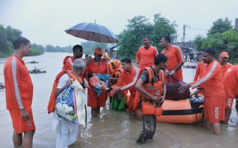 ndrf in vadodara rescue preganent woman