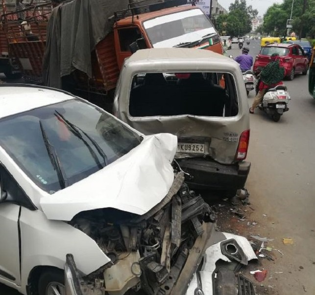 triple accident in ahmedabad