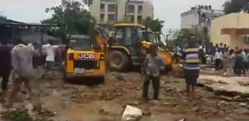 water tank collapse in Ahmedabad