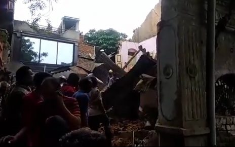 building collapse in ahmedabad