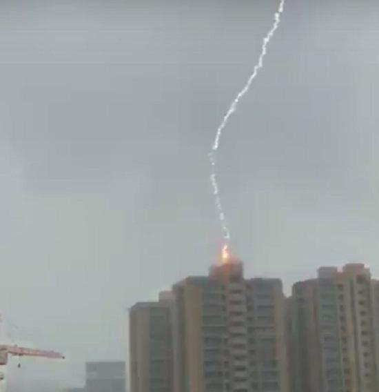 thunder strikes in ahmedabad