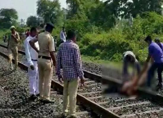 train accident at nadiad