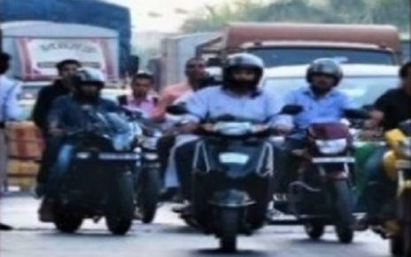 helmet wearing not compulsory in gujarat