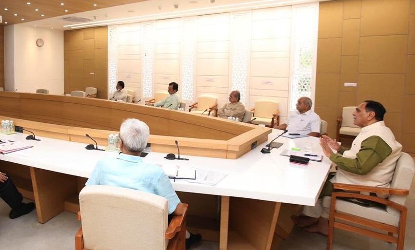 rupani cabinet meeting
