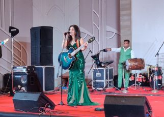 Shibani Kashyap performing at Courtyard By Marriott