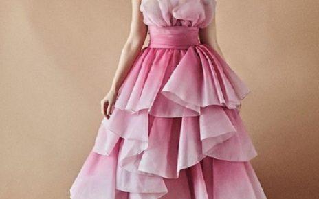 nora fatehi in pink