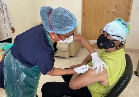 amitabh vaccine