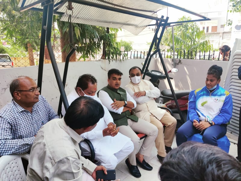 bhavina with minister